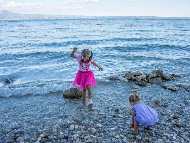 holčičky ve vodě