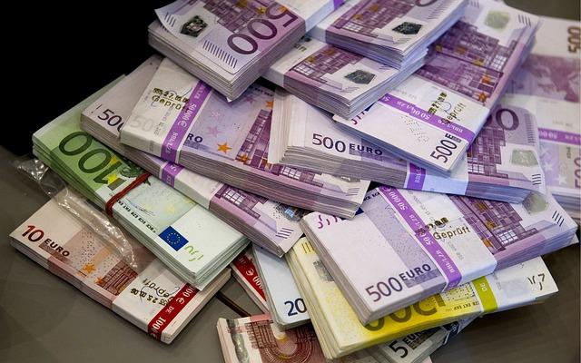 rozpočítané bankovky.jpg