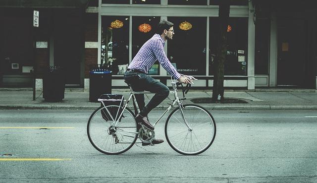 cyklista ve městě