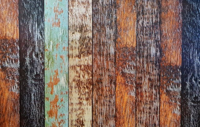 barevná dřeva
